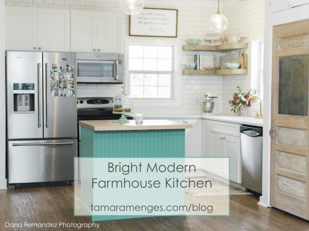 brigh modern farmhouse kitchen_ tamaramenges.com/blog