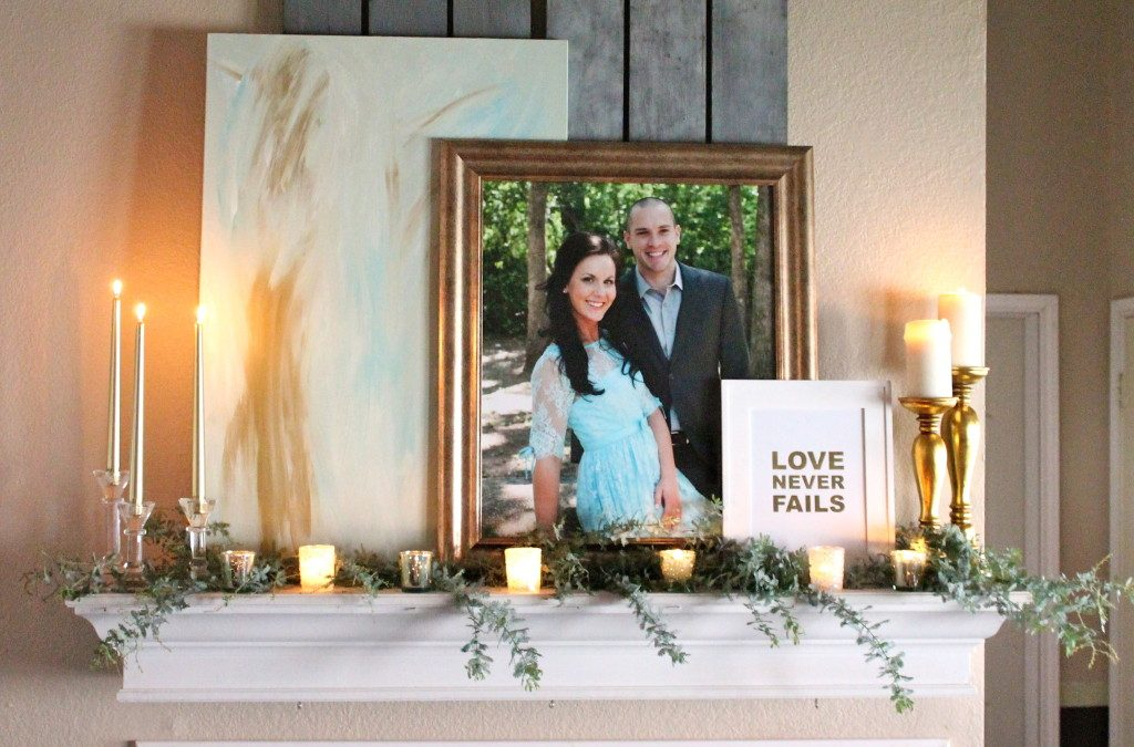Simple Holiday Mantel Styling in 4 Easy Steps