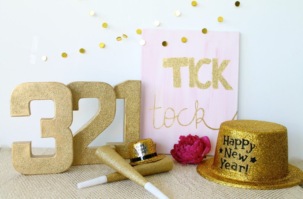 Simple New Year's Eve Party Decor